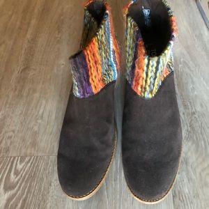 Toms Leila Boots Sz 9